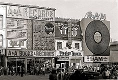 A & A Records, Steele's Tavern, and Sam the Record Man on Yonge Street, ca 1970 Photo from Chuckman's Collection of Toronto Postcards Toronto Pictures, Old Pictures, Toronto City, Toronto Canada, Yonge Street, Canadian History, Vintage Records, Record Players, Back In The Day