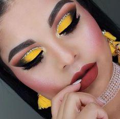 Eyeshadow Tips, Blending Eyeshadow, Green Eyeshadow, Colorful Eyeshadow, Colorful Makeup, Eyeshadows, I Love Makeup, Simple Makeup, Makeup Looks