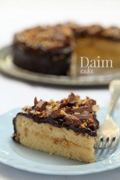 Daim Cake - masam manis Daim Cake, Cake Cookies, Cupcake Cakes, Cupcakes, Cake Varieties, Cake Recipes, Dessert Recipes, Hazelnut Cake, Brownie Desserts
