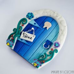 Magic Perez's Door // Puerta del Ratoncito por imaginebylozoya Polymer Clay Fairy, Sculpey Clay, Polymer Clay Crafts, Diy Clay, Clay Fairy House, Biscuit, Fairy Jars, Fairy Crafts, Clay Fairies