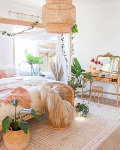 The perfect boho bedroom Can I move in now 18 Bohemian Light Fixtures bohostyle bohobedroom bohemian lighting # Boho Bedroom Decor, Boho Room, Boho Living Room, Room Ideas Bedroom, Boho Decor, Living Rooms, Bohemian Bedroom Design, Bohemian Decorating, Bohemian Bedrooms