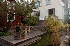 Spjällevägen 7 - Donsö – Alvhem Swedish House, Balcony, Villa, Patio, Garden, Outdoor Decor, Plants, Rum, Home Decor