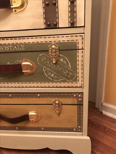 Vintage Suitcase Dresser that I made. Diy Furniture Renovation, Furniture Update, Funky Furniture, Refurbished Furniture, Art Furniture, Repurposed Furniture, Furniture Projects, Furniture Makeover, Painted Furniture