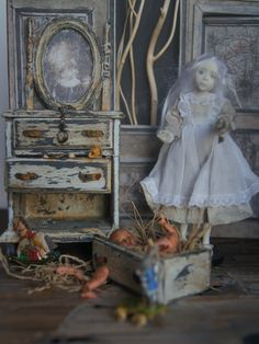 Ghost Alice in Wonderland. Close-up. Doll Julie Campbell