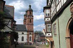 Schnatterloch und Stadtpfarrkirche St. Jakobus in Miltenberg