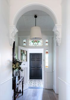 Recent Project: tessellated tiles on hallway entrance at Light & Airy Federation Home – Olde English Tiles™ Victorian House Interiors, Edwardian House, Victorian Terrace, Victorian Homes, Entry Tile, Porch Tile, Hallway Designs, Hallway Ideas, Door Ideas