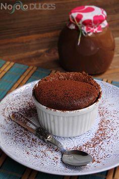 Receta de soufflé de Nocilla o Nutella. Pierde el miedo a hacer soufflés, verás que es muy fácil y obtienes un resultado perfecto con pocos ingredientes. Mousse, Nutella, Sweet Recipes, Deserts, Muffin, Pudding, Sweets, Breakfast, Food