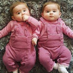 Double Trouble. Or... Double Cuteness!! .  via @dicaspramamae