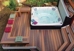 Rather than having a swimming pool, people commonly choose to have a jacuzzi since it only needs lower cost compared with Jacuzzi Pool, Oberirdischer Pool, Jacuzzi Outdoor, Outdoor Spa, Deck Jacuzzi Ideas, Outdoor Hot Tubs, Pool Decks, Outdoor Living, Hot Tub Privacy