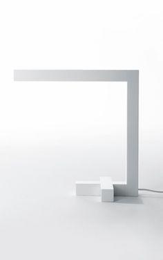 Cyril Diesis for Haptein | LD2 lamp in Corian Glacier White