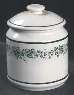 Tea Canister in the Callaway pattern by Corning