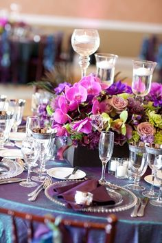 Pretty #peacock colored #centerpieces by tommie