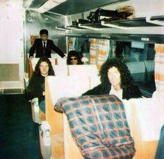 The boys on a train in Japan 1975. (rare) Freddie Mercury, Brian May, Roger Taylor, John Deacon. (rare)