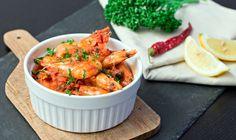 Mediterrane Garnelen | Mediterrenean Shrimps  Wir haben uns oft im Urlaub (Griechenland und Portugal) gefragt, wie die besten Garnelen in Tomatensauce schmecken müssen – nun haben wir es raus!