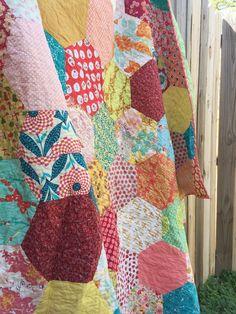 Quilt Reveal – hexagon quilt #3 – Quiltmaking