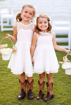 Lace Flower Girl Dress Love the flower girls