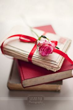 Rose, Old Letters And Books Old Letters, Book Flowers, Shabby Flowers, Old Books, I Love Books, Book Photography, Be My Valentine, Funny Valentine, Red And Pink