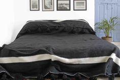 Moroccan pom pom blanket bedspread throw rug 100% par BerberLooms