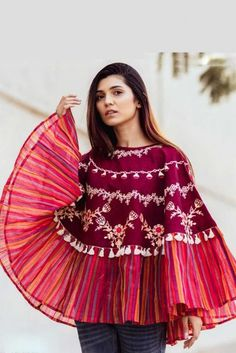 Magenta Khadi Embroidery Work And Line Print Poncho Top Cataloge Whatsapp :- 9377709531 Pakistani Dresses Casual, Western Tops, Fancy Tops, Black And White Flowers, Poncho Tops, Cape Dress, Western Outfits, Tunics, Cloths