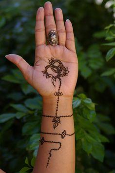 ~Antique jewelry inspired henna tattoo serpent~ by Emeraldserpenthenna on DeviantArt Henna Tattoo Hand, Henna Tattoo Designs, Mehndi Designs, Hand Tattoos, Tattoo Ideas, Cute Tattoos, New Tattoos, Henna Inspired Tattoos, Mehndi Art