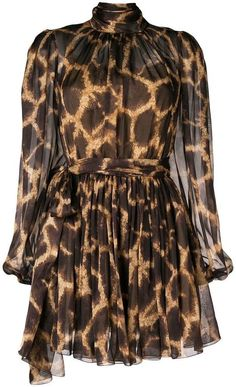 This leopard dress from Dolce & Gabbana features a flared hem and bow detail. Pretty White Dresses, Chic Outfits, Fashion Outfits, Dolce E Gabbana, Leopard Dress, Animal Print Dresses, Flare Dress, Beautiful Outfits, Ideias Fashion