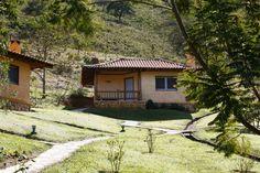 homify / MADUEÑO ARQUITETURA & ENGENHARIA: Chalé: Casas rústicas por MADUEÑO ARQUITETURA & ENGENHARIA