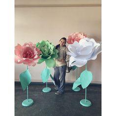 """А у нас сегодня демонтаж! Настроение отличное, гости в шоке, невеста довольна! 😋😉✌🏻️ Испытываю чувство гордости, что наша мастерская флористики """"YULIA SHEVCHENKO"""" смогли осуществить большой, интересный, свадебный проект в другом городе! ☺ Фотографии будут позже! 🎀💎🌸 ️ #sochi #weddingsochi #сочи #свадьбасочи #свадьбатиффани #цветыгиганты #цветочноеоформлениесочи #оформлениесвадебсочи #букетневестысочи #флористикасочи #флорист_юлия_шевченко #флористюлияшевченко #мятный #розовый"""
