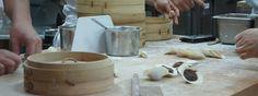 Préparation de Dim Sum à Din Tai Fung  http://paris-singapore.com/les-10-choses-a-faire-a-singapour