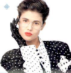 Black & white polka dot fashions of the Silhouette Fashion Eyewear, Elle magazine, September 50s Inspired Fashion, 1950s Fashion, Vintage Fashion, Vintage Style, Retro Vintage, Vintage Glasses Frames, Vintage Frames, American Eyewear, Fashion Silhouette