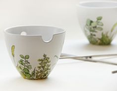 My husband would love this set, for the nights he makes me homecooked Vietnamese dishes. By Yevgenia on etsy.
