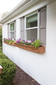 DIY Cedar Window Planters - Shades of Blue Interiors - How to make a pair of long cedar window planters with a craftsman style design and attach the - Planters For Shade, Window Planter Boxes, Wooden Window Boxes, Window Box Diy, Wooden Window Design, Wooden Flower Boxes, Diy Flower Boxes, Window Ideas, Diy Wood Planter Box