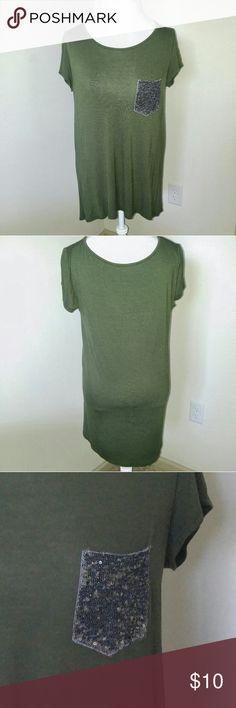 Green tunic with glittery pocket Green tunic with glittery pocket Tops Tees - Short Sleeve