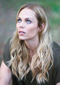 Laura Vandervoort on 'Bitten' Season Being a 'Supergirl' Villain Smallville, Prettiest Actresses, Beautiful Actresses, Girl Celebrities, Celebs, Toronto, Blonde Actresses, Laura Vandervoort, Kristin Kreuk