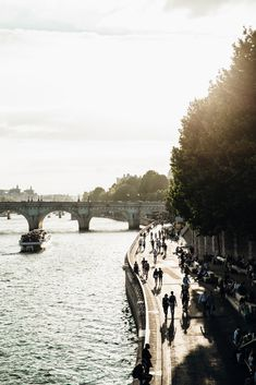 The Ultimate Paris, France Travel Guide: All the Must See Instagram, Travel Photography, Food, Cafes, Things to do, and Shopping Spot plus Travel Tips for the First Time Visitor! #travel #paris #france