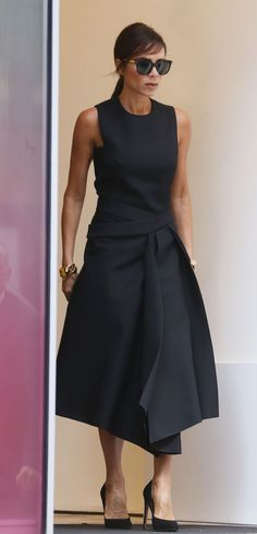 Victoria Beckham.. black Victoria Beckham Resort 2016 dress, and Manolo Blahnik BB pumps.. #manoloblahnik2016