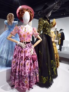 Cinderella's Wicked Stepmother and Stepsisters film costumes on display. Cinderella Original, Cinderella 2015, Cinderella Dresses, Disney Live Action Films, Disney Movies, Anastasia Costume, Cinderella Stepsisters, Have Courage And Be Kind, Vintage Fashion Photography