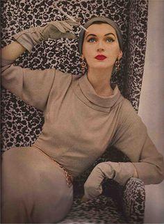 Harper's Bazaar/July 1952/by Richard Avedon