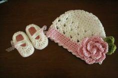 I love the crocheting idea Crochet Flower Hat, Crochet Baby Booties, Knit Or Crochet, Crochet For Kids, Crochet Hats, Knitting Projects, Crochet Projects, Knitting Patterns, Crochet Patterns