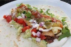 Grove tacolefser - kylling i hvitløksmarinade - grønnsaker - rømme - tacosaus