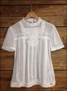 camiseta branca renda