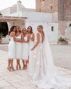 Wedding Goals, Wedding Pics, Wedding Ceremony, Short Bridesmaid Dresses, Wedding Bridesmaids, Wedding Dresses, Perfect Wedding, Dream Wedding, Wedding Day