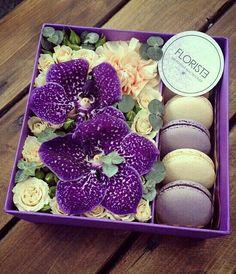Flowerbox macarons