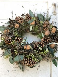 Christmas Candle Decorations, Halloween Porch Decorations, Christmas Arrangements, Christmas Ornament Crafts, Christmas Tree Themes, Flower Decorations, Flower Arrangements, Christmas Crafts, Autumn Wreaths