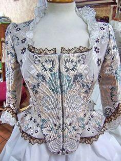Pinazo y Burlay ® Valencia, Spain Retro Fashion, Vintage Fashion, Womens Fashion, 1800s Dresses, 18th Century Dress, Period Costumes, Vintage Lingerie, Korean Outfits, Beautiful Outfits