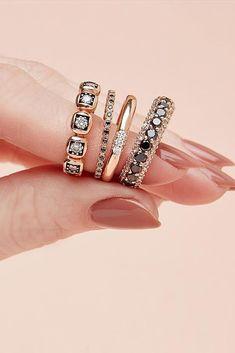 24 Unique Black Diamond Engagement Rings ❤️ black diamond engagement rings wedding set gold simple ❤️ More on the blog: http://ohsoperfectproposal.com/black-diamond-engagement-rings/ #Diamondssimple #weddingringsgoldsimple