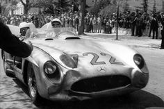 1955 Mille Miglia : Stirling Moss/Denis Jenkinson, Mercedes-Benz SLR 300 #722 (#0004/55, 3000 cc/L8), Daimler Benz AG, Winners. (ph: Mercedes-Benz-Classic)