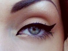 cat eye + strong brow