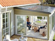 jaw-dropping small patio with glass walls ideas to copy - living design - Jaw-Dropping kleine Terrasse mit Glaswänden Ideen zu kopieren – Wohn Design jaw-dropping small patio with glass walls to copy ideas Outdoor Decor, Walled Courtyard, Home, Patio Room, Small Sunroom, Patio Design, Enclosed Patio, Glass Wall, Living Design
