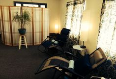 A peaceful acupuncture community room at Relief Acupuncture