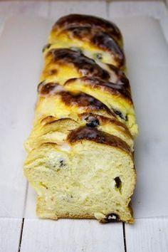 Ciasto drożdżowe z serem Polish Desserts, Polish Recipes, Sweet Recipes, Cake Recipes, Sweet Buns, Sweets Cake, Homemade Cakes, Sweet Bread, Yummy Cakes